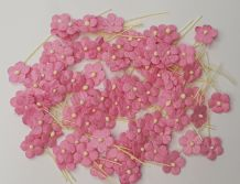 100 PINK Miniature Daisy  on Tread Mulberry Paper Flowers